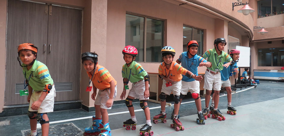 best school in sports,students of gd goenka practising roller skating